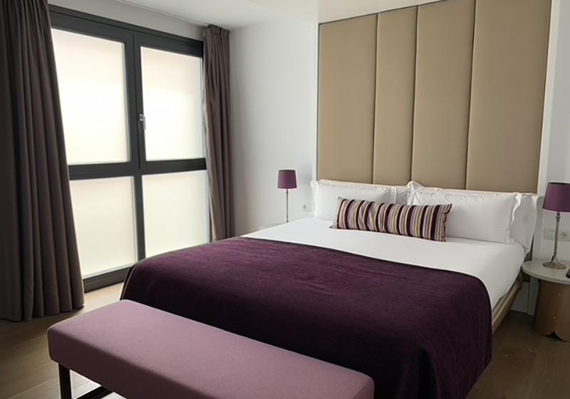 , VENTANAS DE PVC EN LA REFORMA DE UN HOTEL DEL SIGLO XVI